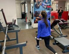 Фитнес-центры и спортивные залы