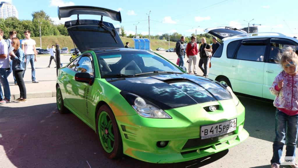 В Чебоксарах показали тюнингованные и ретро автомобили