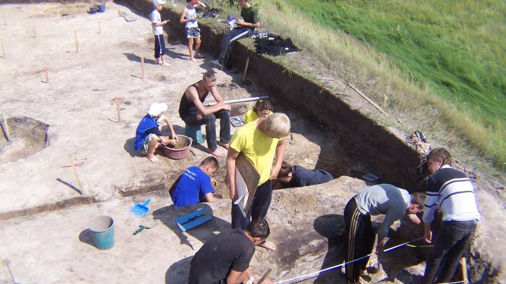 Находки чувашских археологов: селище эпохи Золотой Орды и погребения в могильнике