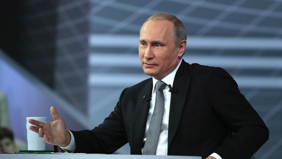 Самые забавные вопросы Путину: про мат, бабу Зину и кашу