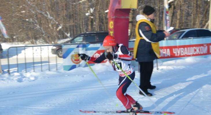 Лыжные гонки среди девушек