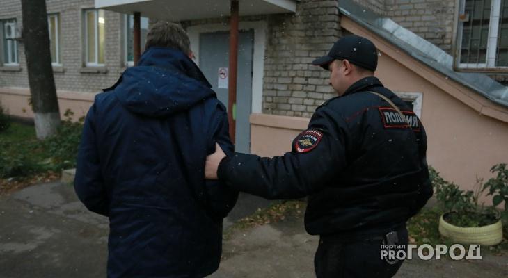 В Чебоксарах полицейские задержали мужчину во время кражи на «Ярмарке»