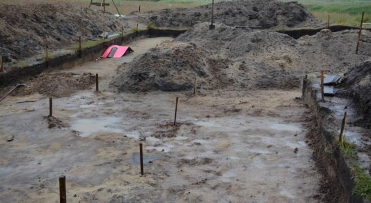 В Чувашии раскопали мужские кости и древнее оружие