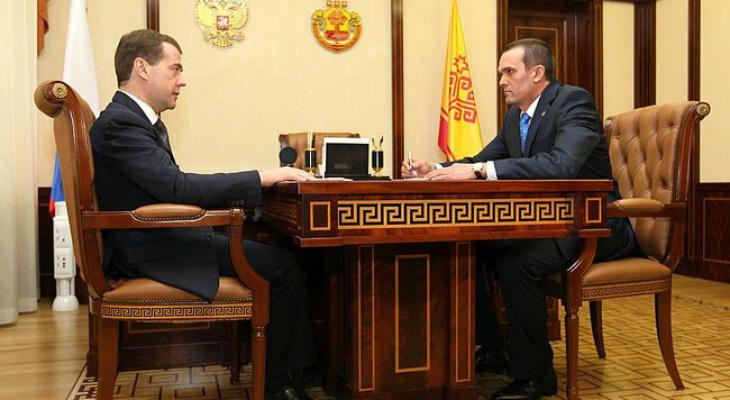 Медведев распорядился увеличить квартплату в Чувашии