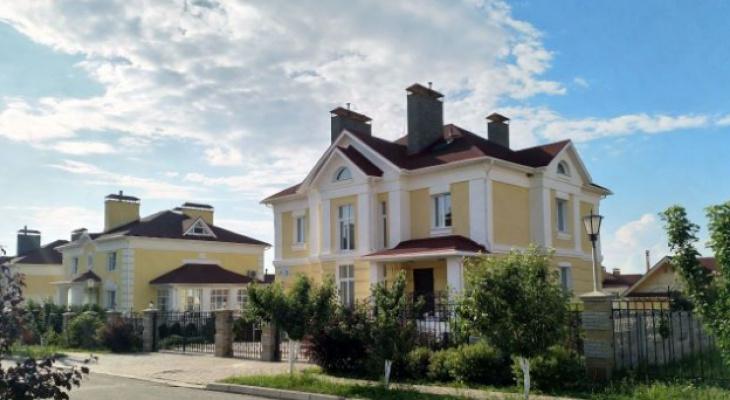 Роскошь по-чувашски: сколько стоят дома с фонтаном, ручной мозаикой и бильярдной