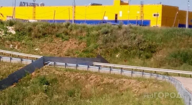 Война в Солнечном продолжается: теперь дорогу закрыли и для пешеходов