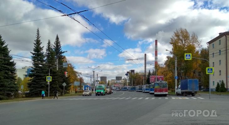 В Чебоксарах на Калинина встали все троллейбусы