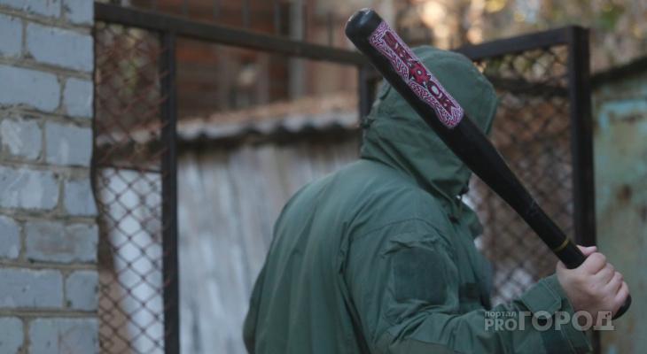 В Чувашии «любитель бейсбола» отрабатывал удары на чужом автомобиле