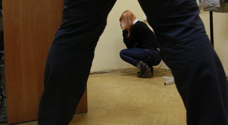 Вина отчима в изнасиловании девочки в Моргаушском районе признана неопровержимой