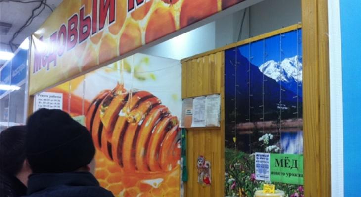 В Чебоксарах продолжаются проверки работников в небольших магазинах