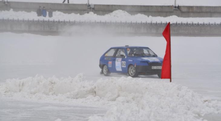 Афиша бесплатных мероприятий: автогонки на льду, День здоровья и спорта, блюз-рок-концерт