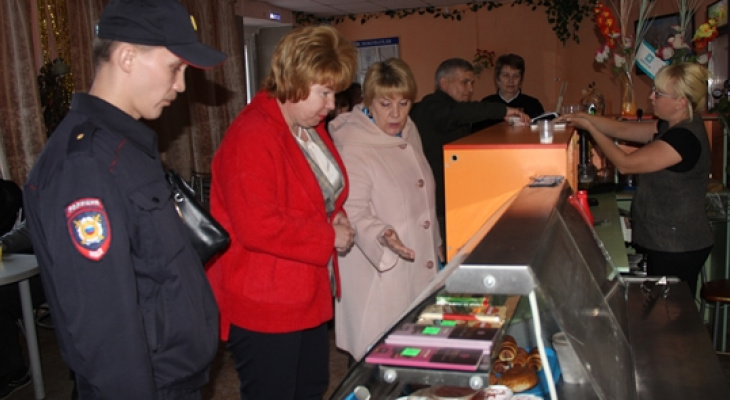 В Новочебоксарске глава администрации вышла в рейд по заведениям, продающим алкоголь