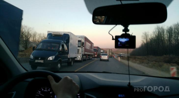 Движение на трассе М7 в Козловском районе встало из-за работ