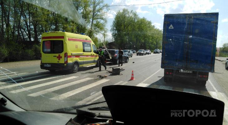 На Марпосадском шоссе сбили мужчину, когда он шел по зебре