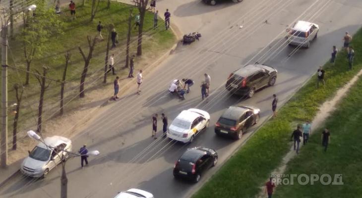 В Новоюжном районе столкнулись мотоциклист и автомобиль