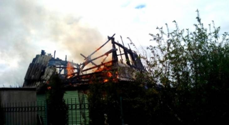 В Чувашии произошло 10 пожаров: горели голубятня и несколько домов с банями