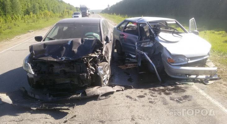 В Чувашии на трассе произошло массовое ДТП, двое пострадали