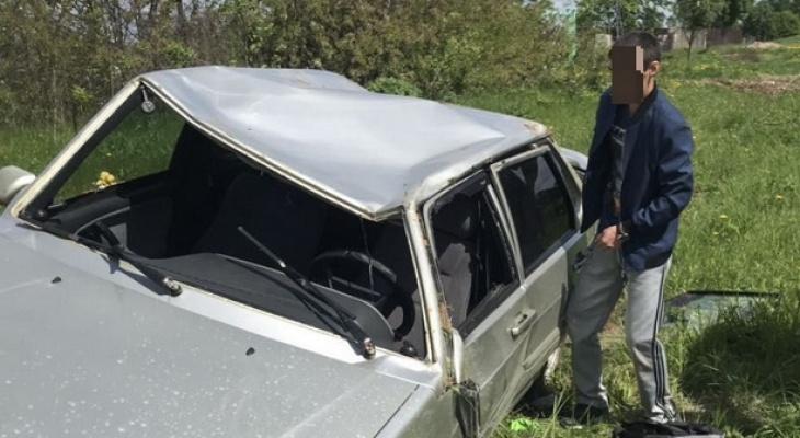 В Чувашии курсант автошколы разбил машину тещи, скрываясь от инспекторов ДПС