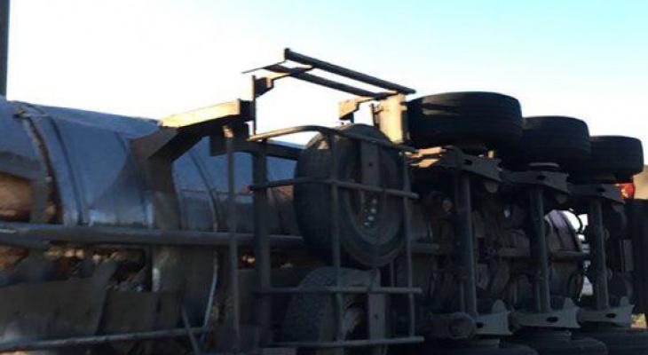 В ДТП у грузовика из Чувашии оторвалась цистерна с молоком