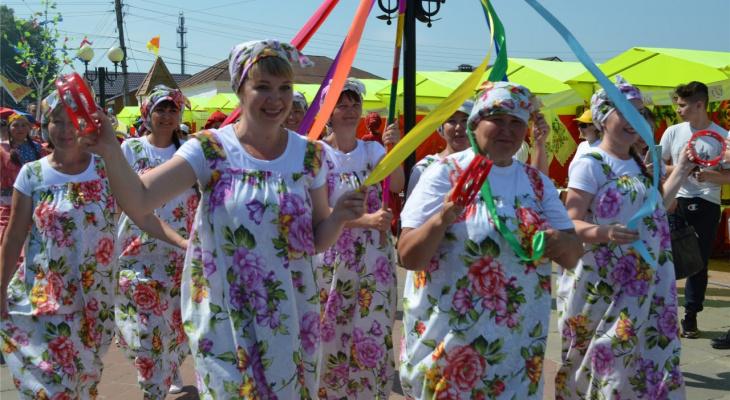 В Мариинском Посаде мастеров со всей России встретили балаганом