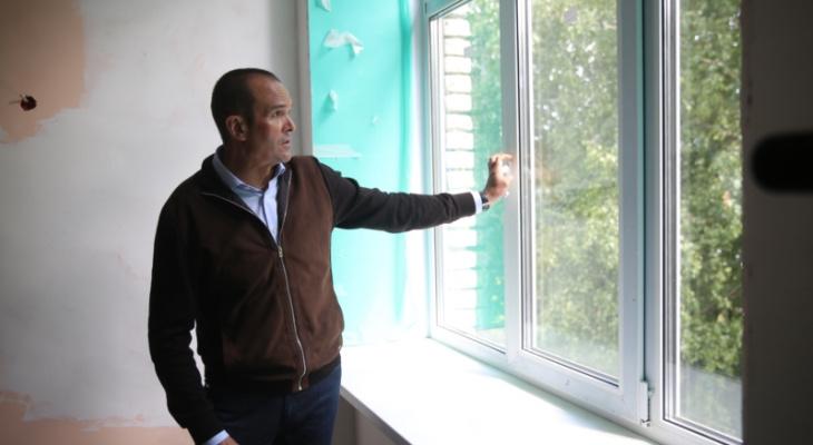 Игнатьев проверил, как ремонтируют школу в Цивильском районе