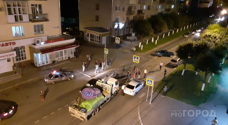 На Энгельса в ДТП с участием 5 машин пострадали два человека