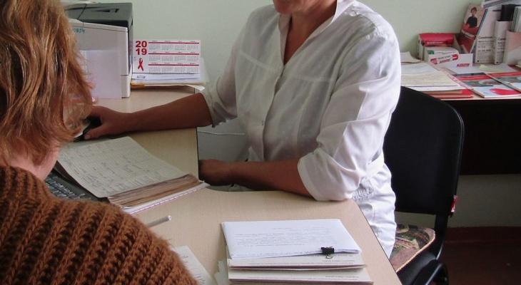 Главврачам Чувашии поручили переманить врачей из частных клиник