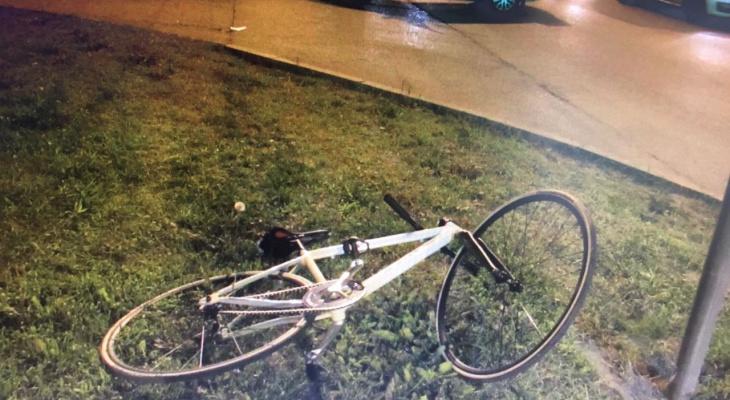 В Чебоксарах автомобилист не уступил дорогу велосипедисту и сбил его