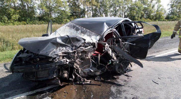 В Чувашии 21-летняя автоледи выехала на встречку и погибла