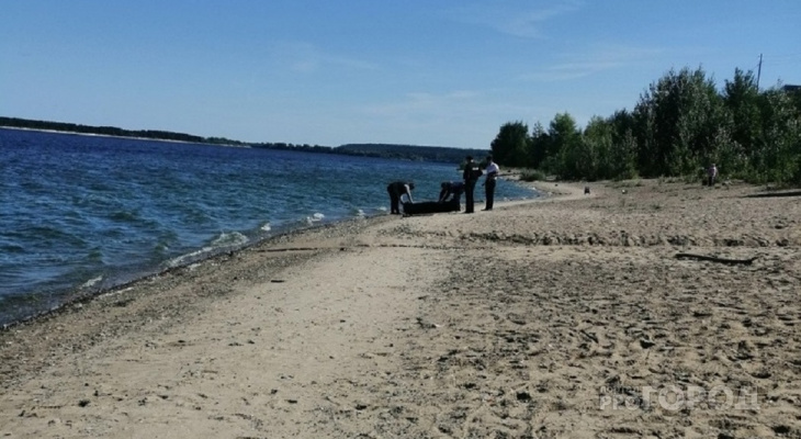 На новочебоксарском пляже нашли тело мужчины, который утонул накануне