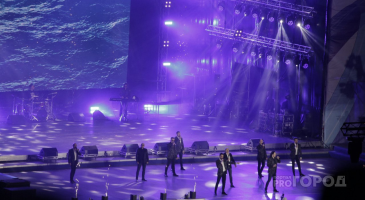 Под песни Хора Турецкого пели и танцевали тысячи чебоксарцев