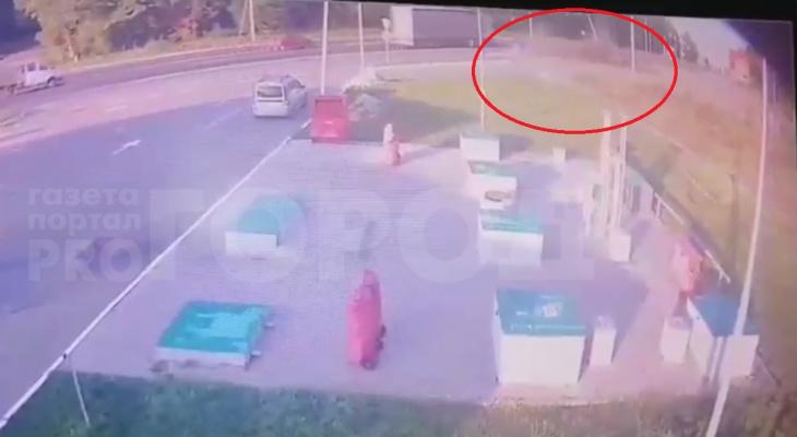 "В Чувашии на видео попал момент аварии, в которой погиб водитель ""Пежо"""