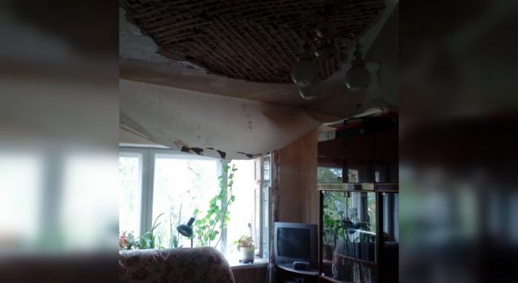 В Чувашии на женщину в собственной квартире обрушился потолок