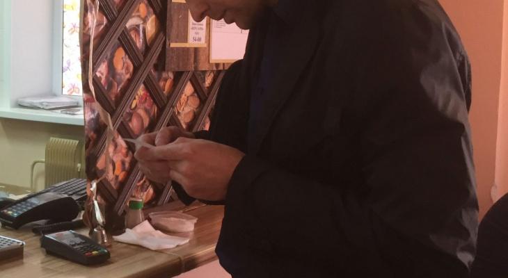 В Северо-Западном районе вновь опрашивали работников мелких магазинов