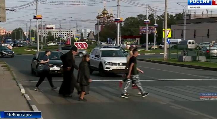 На опасном переходе в Чебоксарах поставили светофор