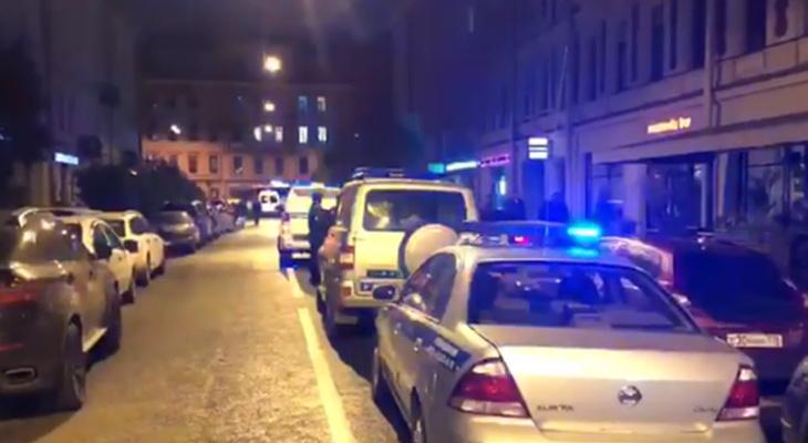 «Фонтанка» сообщает о задержании в ресторане Петербурга «воровского сообщества» из Чувашии