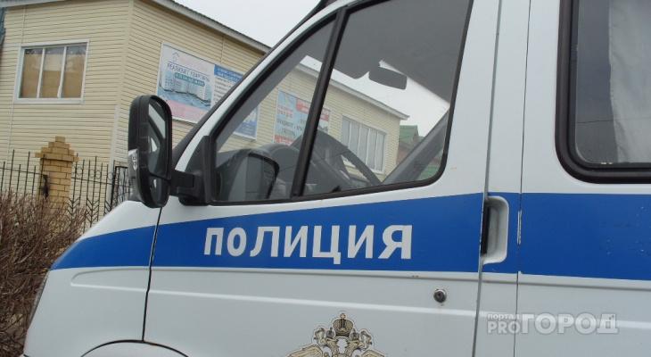 """В Чувашии двое парней похитили из магазина 20 тысяч рублей и прихватили """"бонусы"""""""