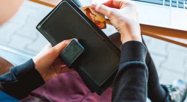 Сотрудники Сбербанка в Чувашии рассказали, как экономить и зарабатывать с помощью банковской карты