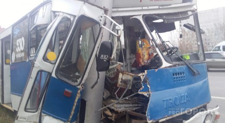 Ногу свело причина серьезного ДТП с троллейбусом в Чебоксарах