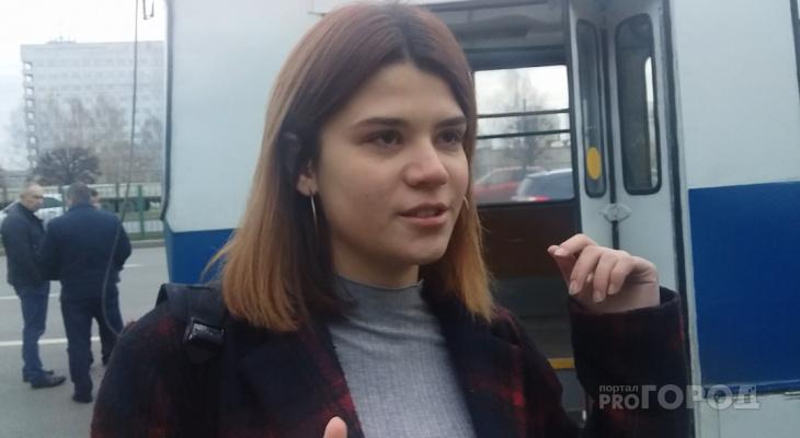 """Пассажирка троллейбуса: """"Все упали столбом, в суматохе у меня украли телефон"""""""