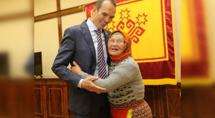 Игнатьев пригласил на встречу землячку: «Ей 87 лет! Но ее энергии хватит еще на троих»