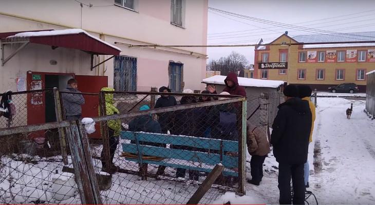 В Цивильске жители двухэтажки взбунтовались против строительства магазина