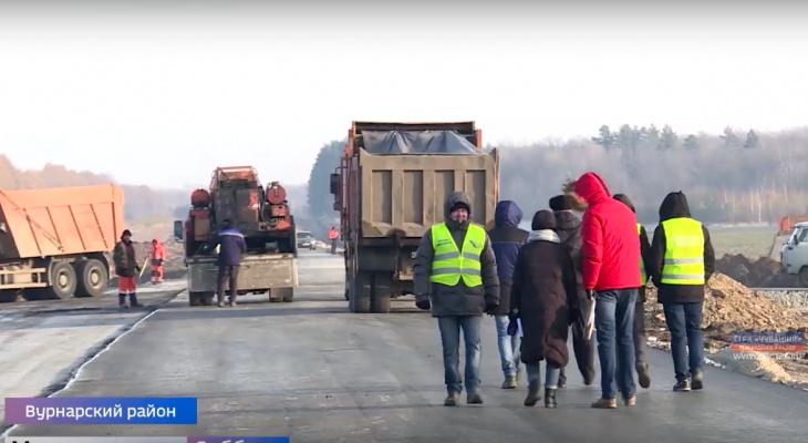 "Ремонт дороги ""Шихазаны-Калинино"" хотят заморозить до весны"