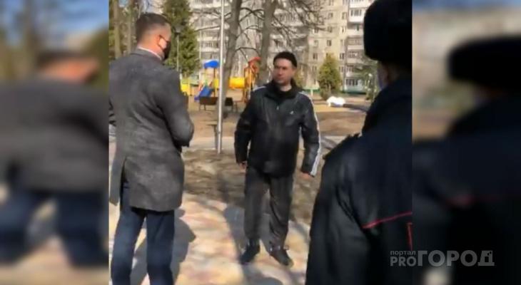 Гуляющих в парке чебоксарцев зафиксировали для отправки данных в суд