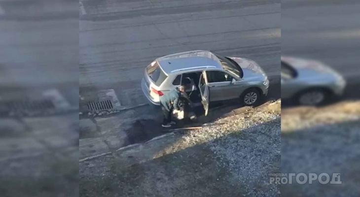 В Новочебоксарске мужчина погрузил свежий асфальт в салон автомобиля