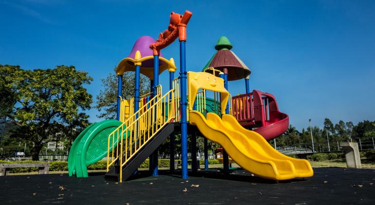 Резиновое покрытие – оптимальное решение для оформление детских площадок