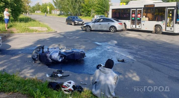 """Мотоциклист пострадал в столкновении с """"Шевроле"""" в Новоюжном районе"""