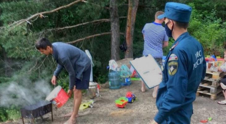 Проверяющие штрафуют жителей Чувашии за разведение огня