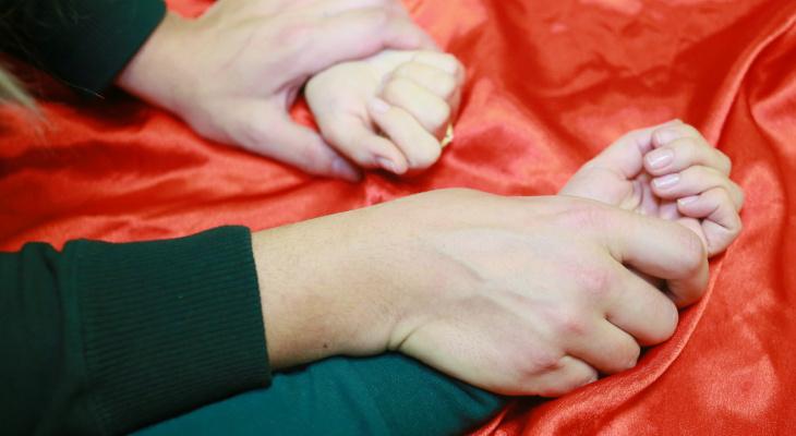 В Новочебоксарске девушка пришла в гости и стала жертвой насилия