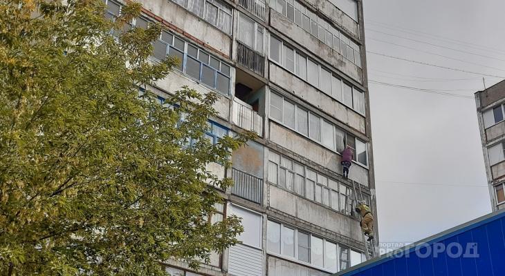 Бабушка-экстремалка переполошила МЧС и полицию, прогулявшись по карнизу балкона